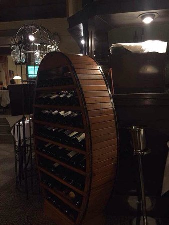Wadgassen, เยอรมนี: Well stocked for wines