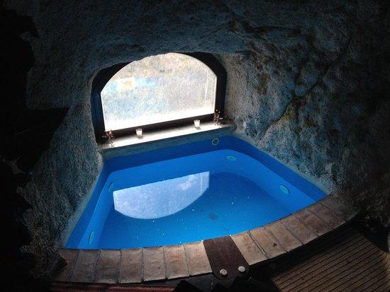 """Calcata, Ιταλία: Vasca privata in grotta """"casa nanù"""""""