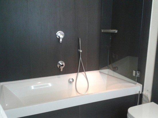 Hotel Tiferno: Vasca da bagno