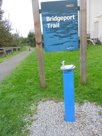 Sandman Hotel Vancouver Airport: Bridgeport Trail walking route from hotel