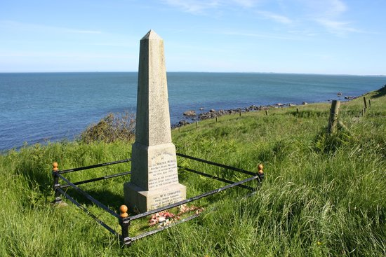 The Gobbins: The war monument overlooking the sea.