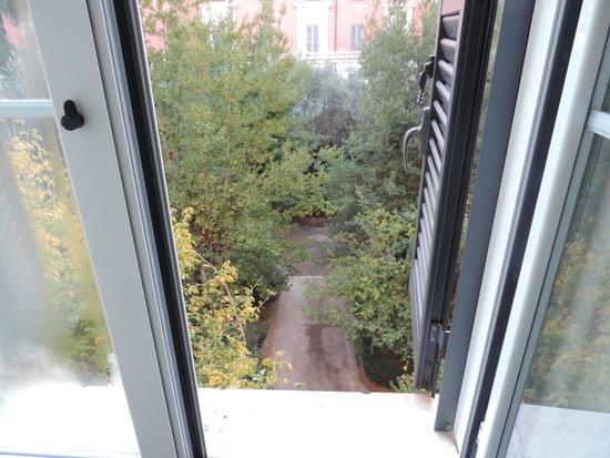 Serendipity Residence : era bonito abrir la ventana y ver tanto arbol