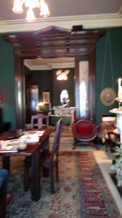 The Inn San Francisco: Parlor with breakfast setup.