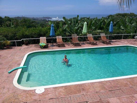 Bella Vista Mar: View of pool and Pacific Ocean.