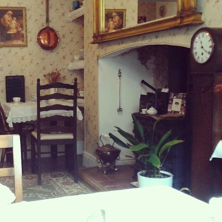 Mrs Jackson's Victorian Tea Rooms : Relaxed homely but vintage atmosphere