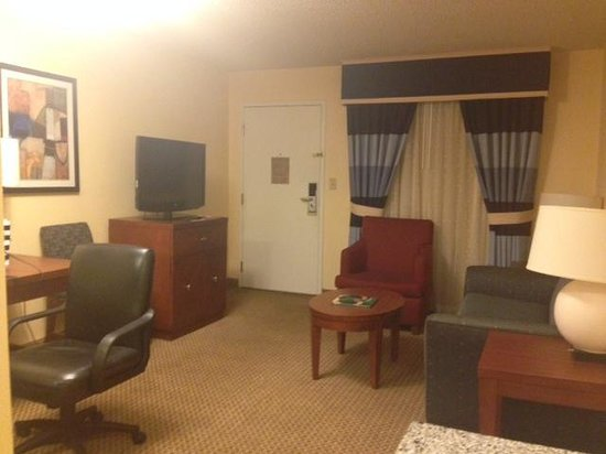 Crowne Plaza Arlington : Living room
