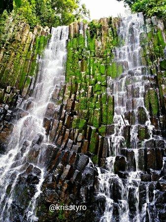 Los Tercios Waterfall: Es simplemente fuera de serie! Hermoso mi país El Salvador. Cascada Los Tercios. Suchitoto.