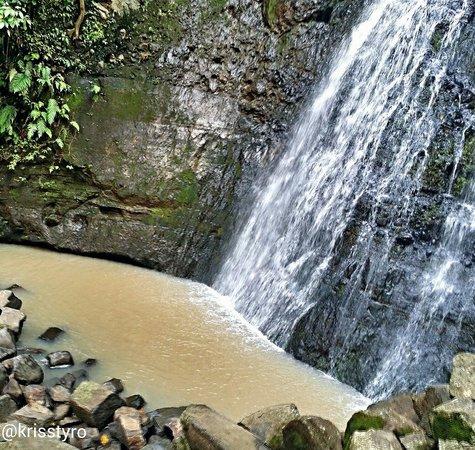 Los Tercios Waterfall: Cascada Los Tercios. Suchitoto. Foto tomada en el mes de septiembre,  2014.