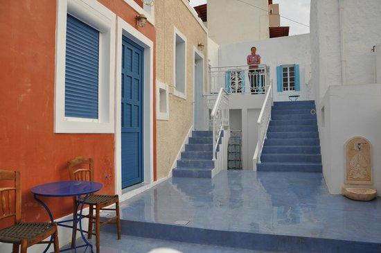 Aphroditi of Milos: katerina rooms
