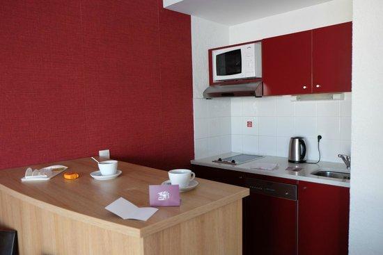 Appart'City Confort Geneve Divonne-les-Bains: cuisine
