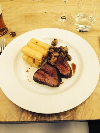 The Pheasant Hotel : Beautiful Steak & Chunky Chips