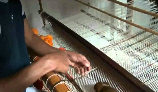 Artesano trabajando cat picture of fabrica de alfombras y tapices artesanales san fernando - Fabricantes de alfombras ...