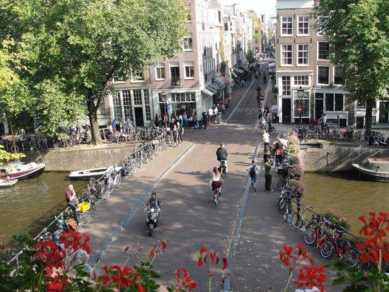 Bij Tijn op de Gracht: The view from our room