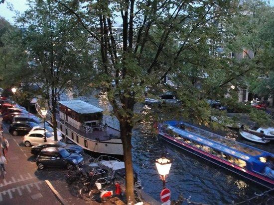 Bij Tijn op de Gracht: And yet another view from the room