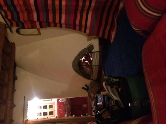 Douar Samra: Cosy bedroom.