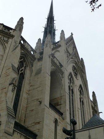 Heinz Memorial Chapel : exterior