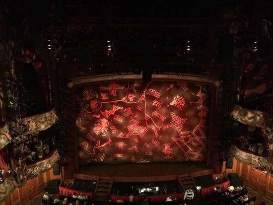 the lion king stage curtain nov 2014