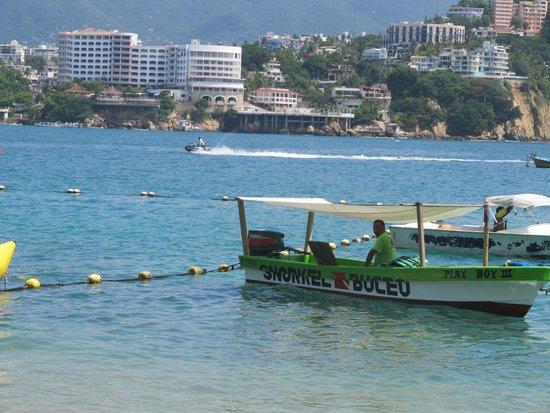 Hotel Acamar Acapulco: Barco de Travessia