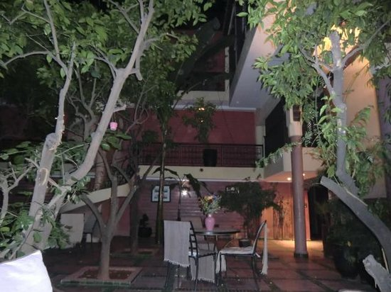 Riad Dar Nejma : le patio 2
