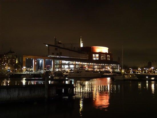 Hotel Villan, BW Premier Collection: A uma breve viagem de ferry, a Opera