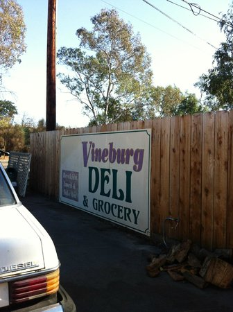 Vineburg Grocery & Deli