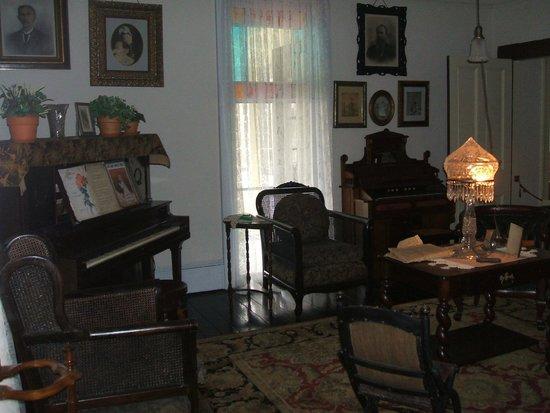 Thomas Wolfe Memorial: Living Room