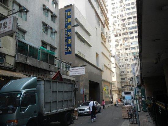 Best Western Hotel Causeway Bay: Street view