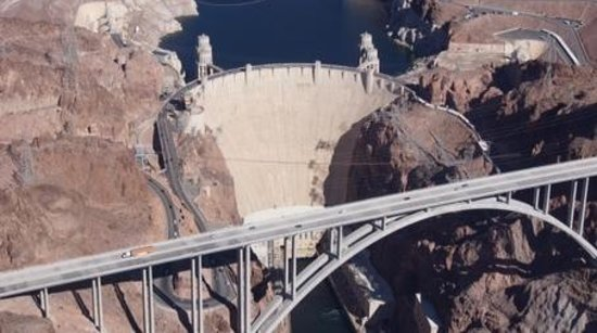Papillon Grand Canyon Helicopters : Hoover Dam Fly-over