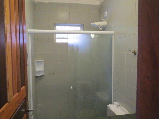 Pousada Sanremo Inn: Banheiro do chalé