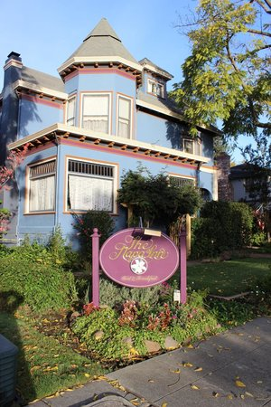 The Napa Inn: street view
