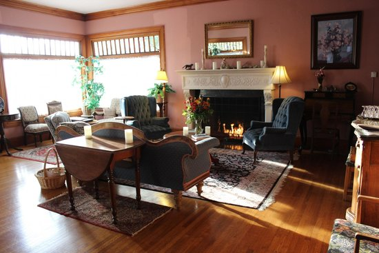 The Napa Inn: Common living room