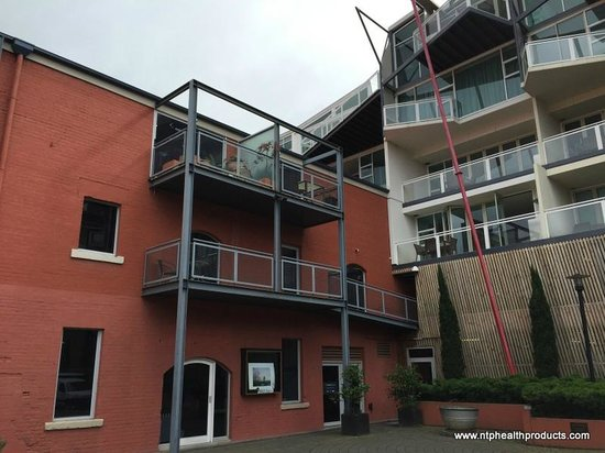 Sullivans Cove Apartments: View of our Two Bedroom Loft Apartment from courtyard