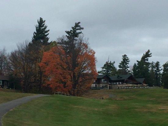 Lake Placid Club Lodges: Vista da casa, área iniciação do golf!