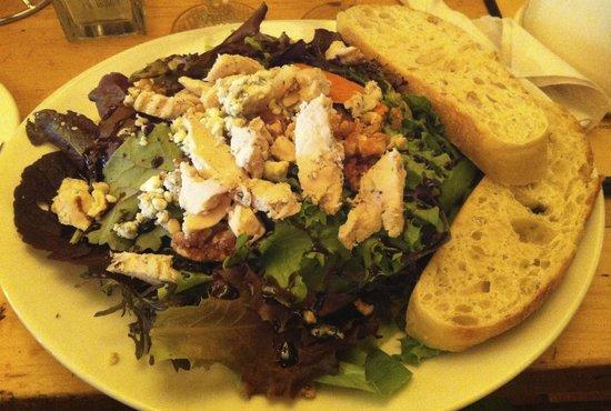 Pavz Creperie: Grilled chicken salad