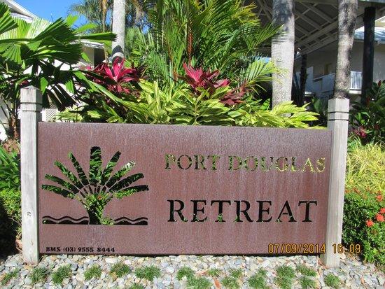 entrance to port douglas retreat
