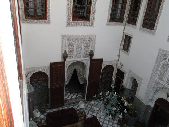 Riad Damia: Hall do riad