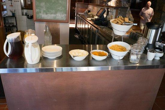 "Karriview Lodge: ""Gourmet continental breakfast""!!"