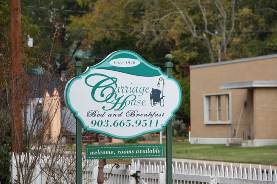The Carriage House Bed and Breakfast : Carriage House Sign