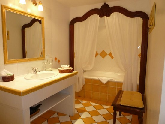 Le Mas Samarcande: Bathroom