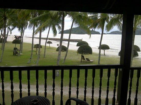 ميريتوس بيلانجي بيتش ريزورت آند سبا، لانجكاوي: lovely beach view