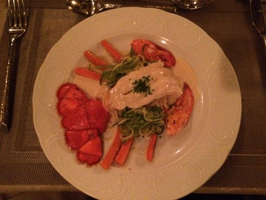 Hartstone Inn & Hideaway: Lobster dinner.