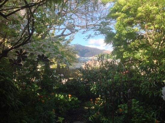 Arrowtown House Boutique Hotel: view from lanai