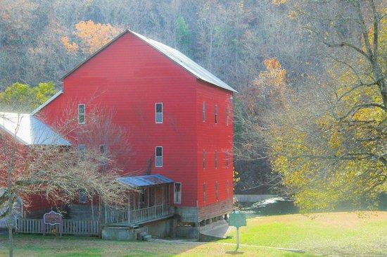 Rockbridge, MO: Mill