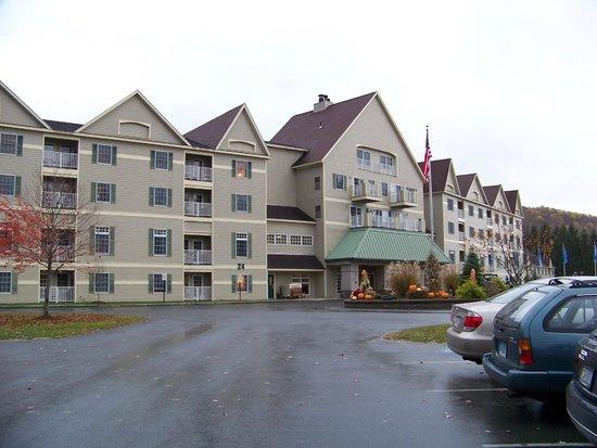 Wyndham at Bentley Brook : Entrance