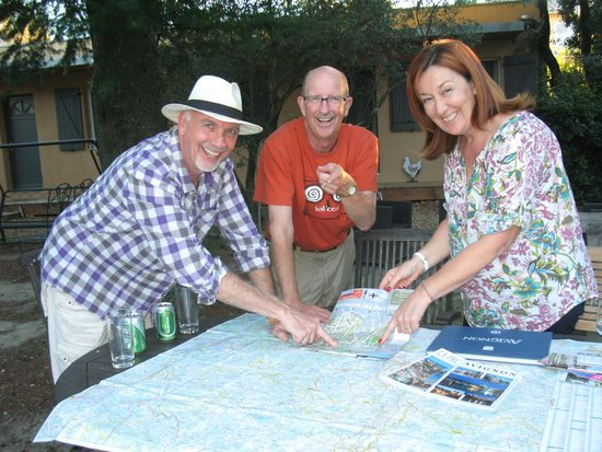 La Vigne et L'Olivier B&B : Planning a day trip with Frederique and Alain.