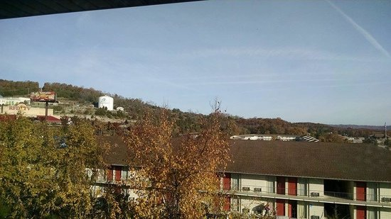 Knights Inn & Suites Branson : view from balcony