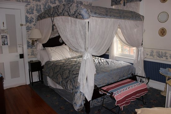 Abbey's High Street Bed and Breakfast: Bed