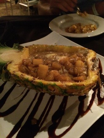 Limón: The pineapple dessert was unbelievable!