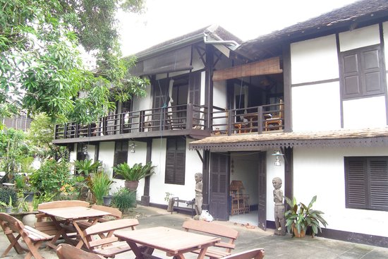 Villa Lao: een van de gebouwen waar kamers zijn