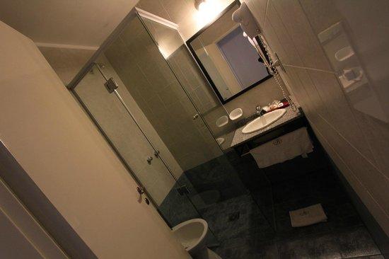 Bohemia Buenos Aires: Bathroom 102